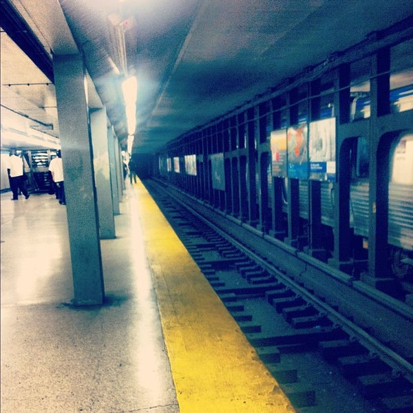 Photo taken at SEPTA: 15th Street Station (MFL/TRL) by Adrian R. on 5/14/2012