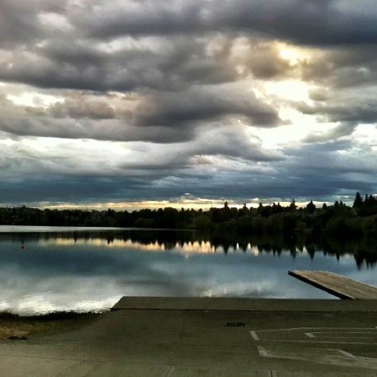 Photo taken at Green Lake Boathouse by Erik B. on 8/28/2012