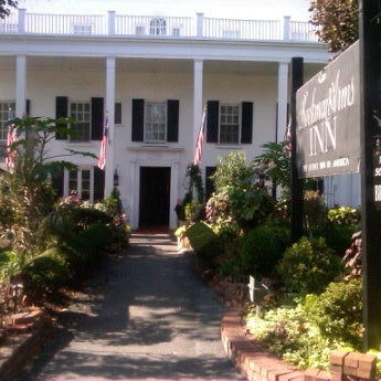 Photo taken at Beekman Arms-Delamater Inn by lee u. on 10/23/2011