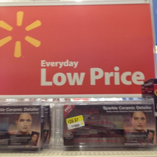 Photo taken at Walmart Supercenter by Tommy H. on 12/27/2011