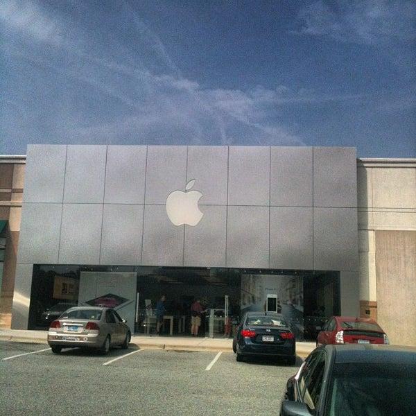 Check- in @ Apple Store in Greensboro