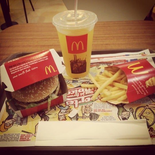 Photo taken at McDonald's by Lucas on 7/6/2012