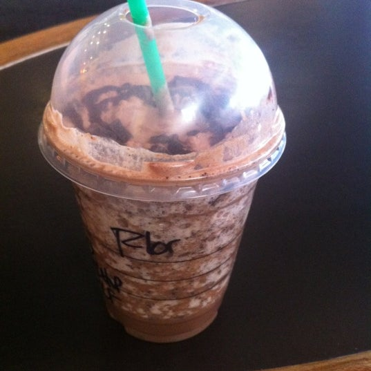 Photo taken at Starbucks by Flor L. on 6/25/2012