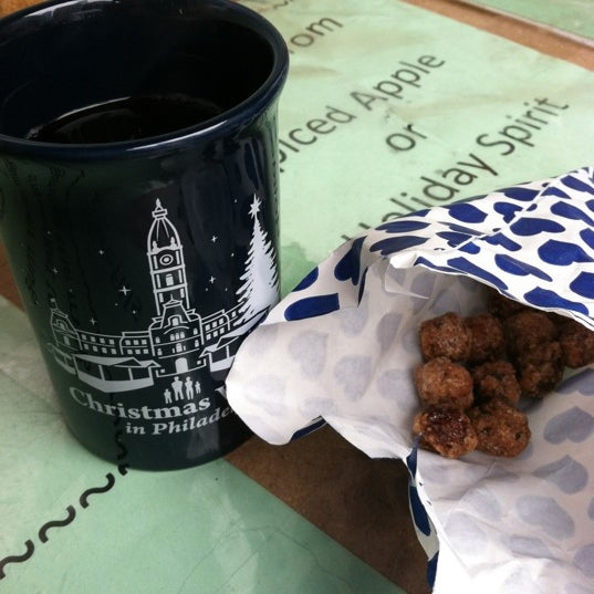 Nothing smells more like Christmas in Philly than roasted nuts and local mulled wine outside!