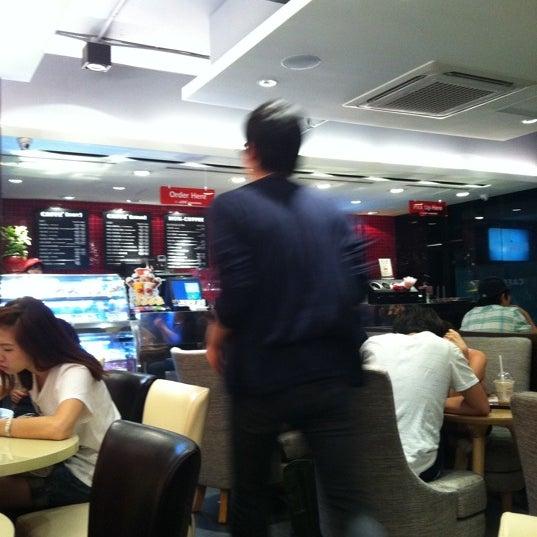 Photo taken at CAFFE PASCUCCI by Ju Hwan K. on 8/26/2011