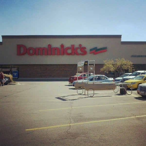 Photo taken at Dominick's by #⃣GRAEGINATOR (Matthew Graegin) . on 9/12/2012