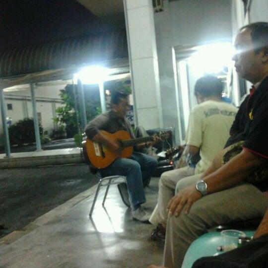 Photo taken at BBC WILDZONE - Studio 1 RCTI by Bambang P. on 1/18/2012