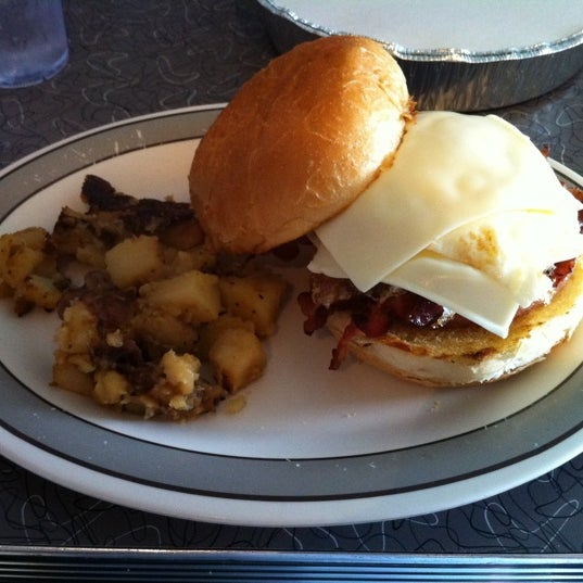 Photo taken at Fred's Breakfast by Richard H. on 8/20/2011