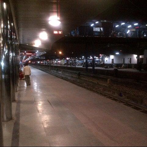 Photo taken at New Delhi Railway Station (NDLS) by Arun V. on 7/7/2012