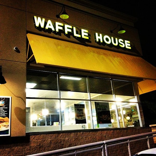 Photo taken at Waffle House by Kyle L. on 6/1/2012