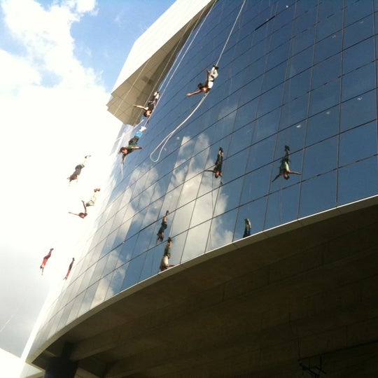 Photo taken at SESC Pinheiros by Renato X. on 4/14/2011