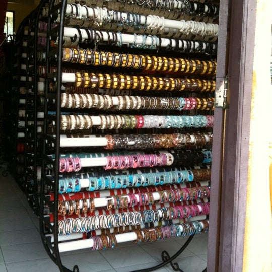 Budivis cheap jewellery wholesaler jewelry store in ubud for Jewelry jobs las vegas