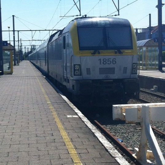 Photo taken at Station Blankenberge by Mathieu C. on 5/27/2012