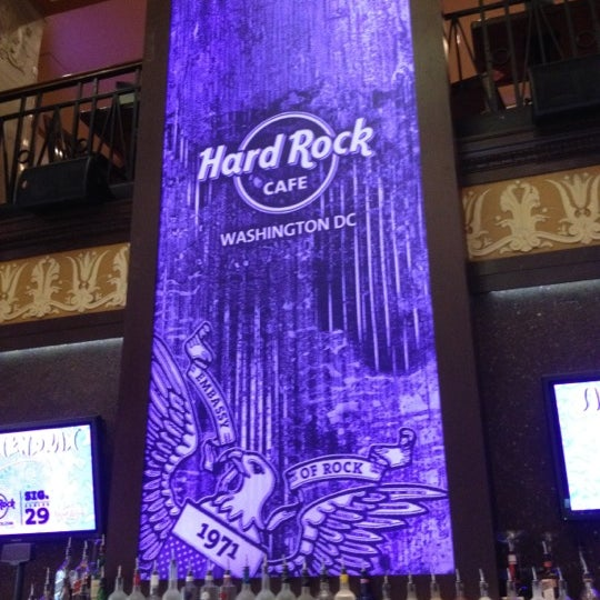 Photo taken at Hard Rock Cafe Washington DC by nicky w. on 5/12/2012