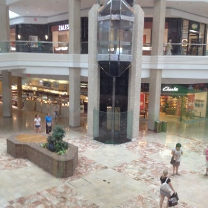 Photo taken at Woodfield Mall by Melissa on 7/30/2012
