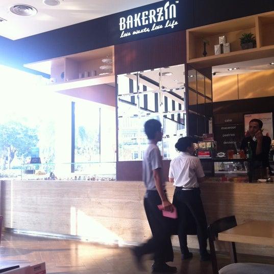 Photo taken at Bakerzin by Dewi T. on 4/24/2012