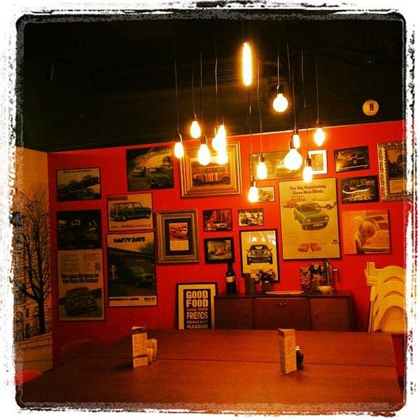 Photo taken at Mini Dans La Ville by Gal B. on 6/17/2012