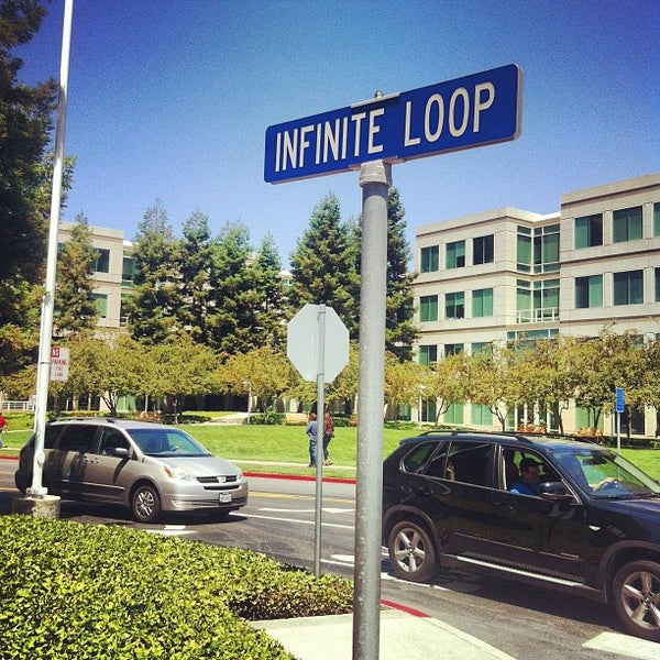 Photo taken at Apple Inc. by Carol C. on 7/6/2012