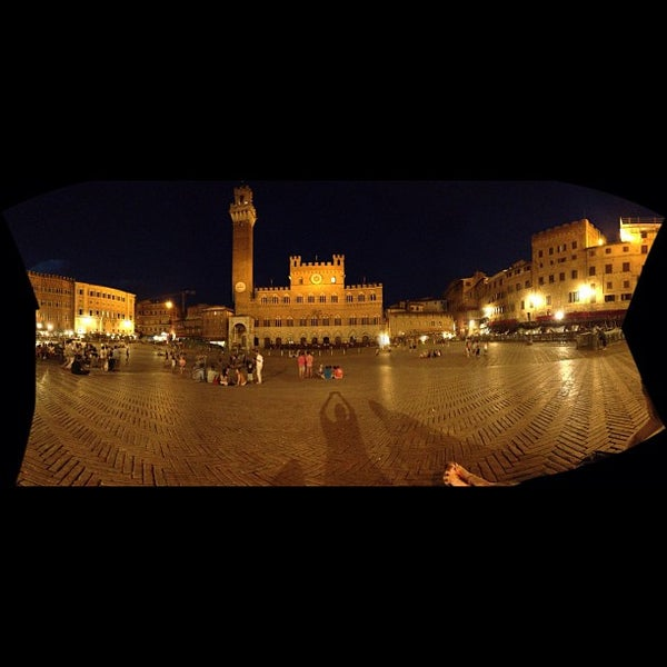 Photo taken at Piazza del Campo by papobiker on 8/13/2012