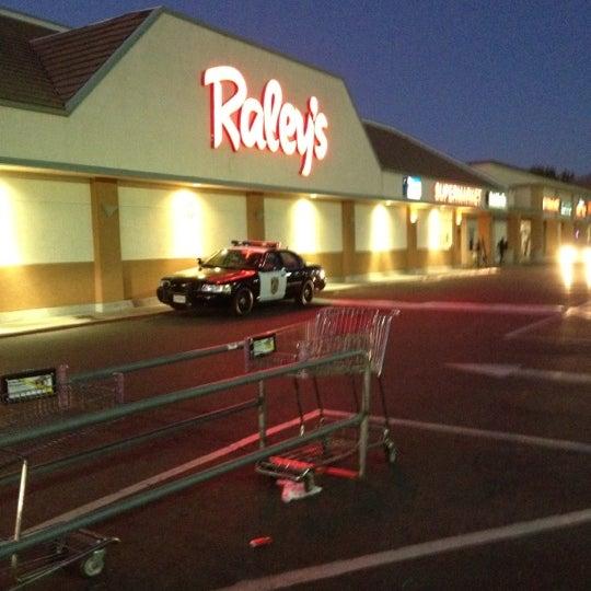 Nob Hill Hours >> Raley's - Supermarket in Sacramento