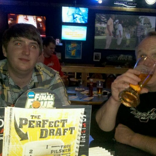 Photo taken at Buffalo Wild Wings by Lauren L. on 3/28/2012
