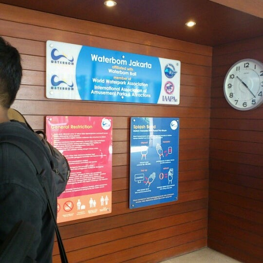 Photo taken at Waterbom Jakarta by Mei R. on 8/17/2012