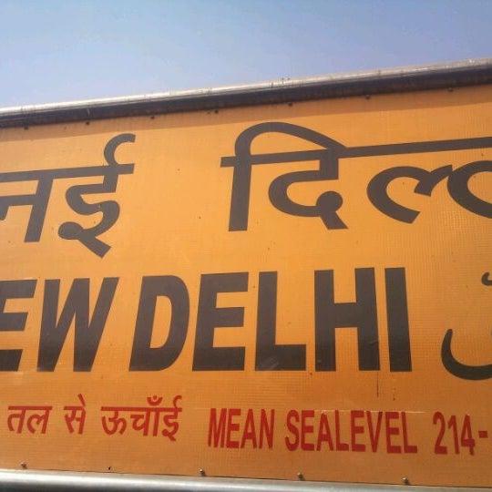 Photo taken at New Delhi Railway Station (NDLS) by varun o. on 3/9/2012