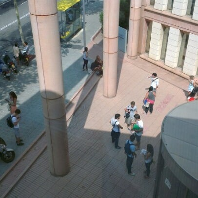 Photo taken at Sala Master ESADE Business School by David F. on 9/12/2012