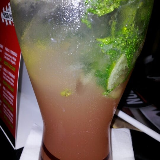 Photo taken at T.G.I. Friday's by Anahi G. on 6/17/2012