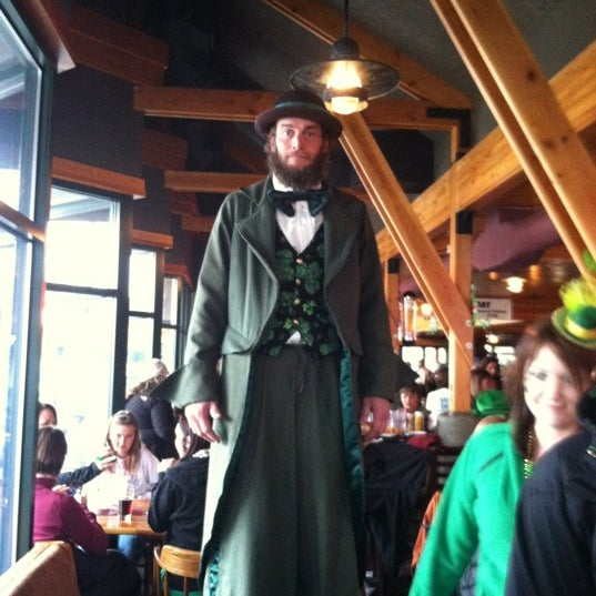 Photo taken at Iron Horse Brew Pub by Keli H. on 3/17/2012
