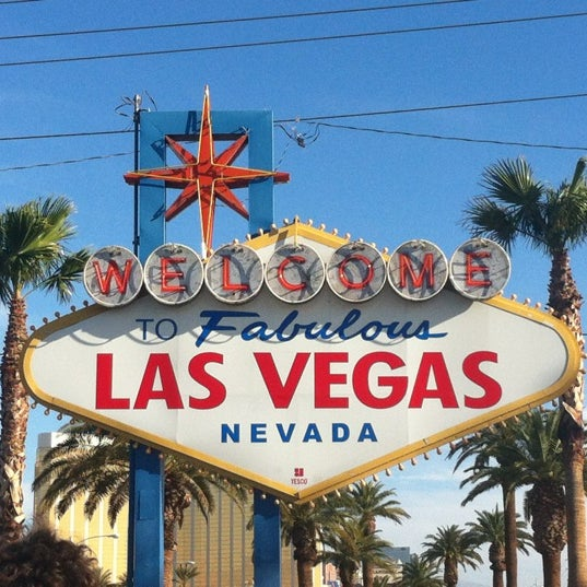 Photo taken at Welcome To Fabulous Las Vegas Sign by H M. on 3/31/2012