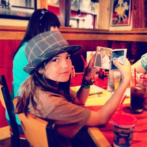 Photo taken at Red Robin Gourmet Burgers by Dan S. on 7/8/2012