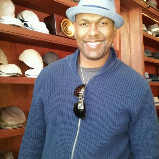 Photo taken at Goorin Bros. Hat Shop by Fe I. on 4/26/2012