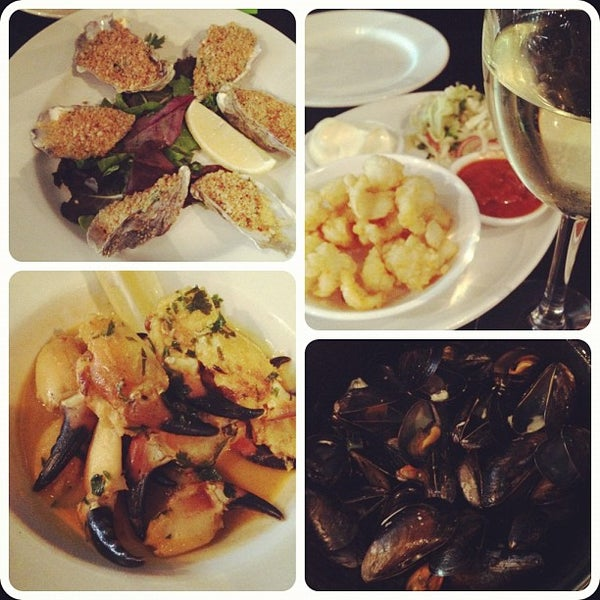Photo taken at Mourne Seafood Bar by Auro B. on 7/13/2012