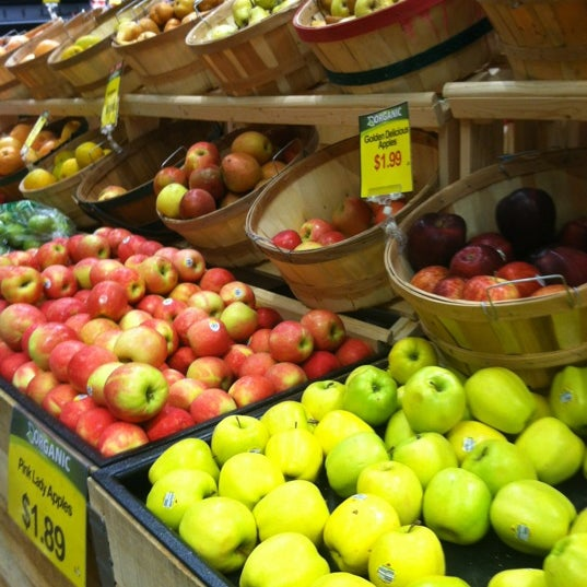 kroger co eyes expansion of roundys marianos inspired concept