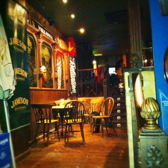 The black crow irish pub in murcia - Decoracion pub irlandes ...