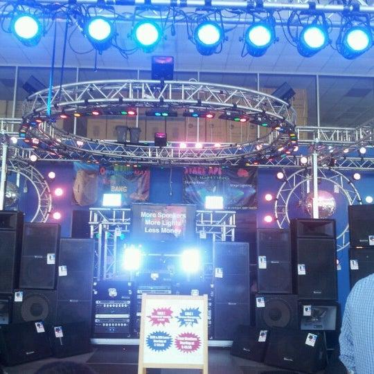 Warehouse Lighting Houston Tx: Cheaplights.com Showroom