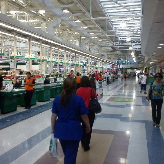 Photo taken at Jumbo by Luis G. on 3/20/2012