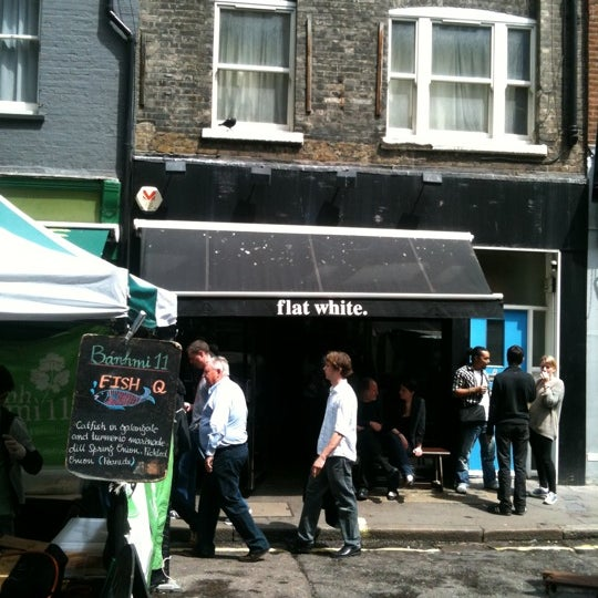 Photo taken at Flat White by Gor B. on 7/4/2012