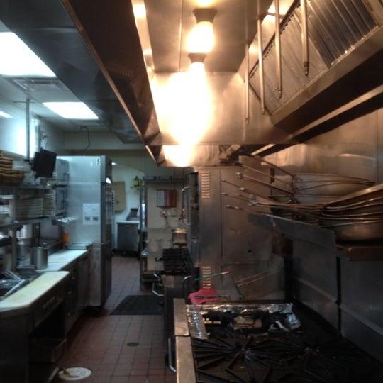 Photo taken at Buca di Beppo Italian Restaurant by Bobby M. on 7/17/2012