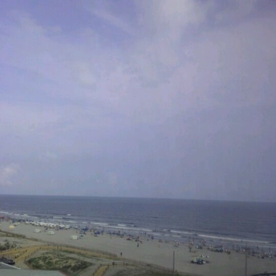 Photo taken at Atlantic Club Casino Hotel by Angela J. on 8/14/2012