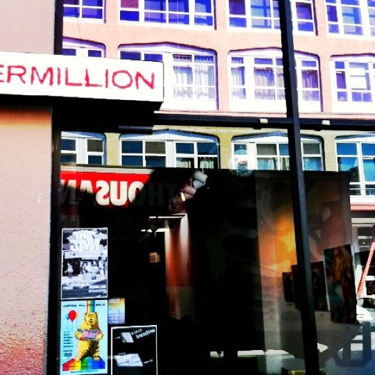 Photo taken at Vermillion Gallery & Wine Bar by Do N. on 8/24/2012