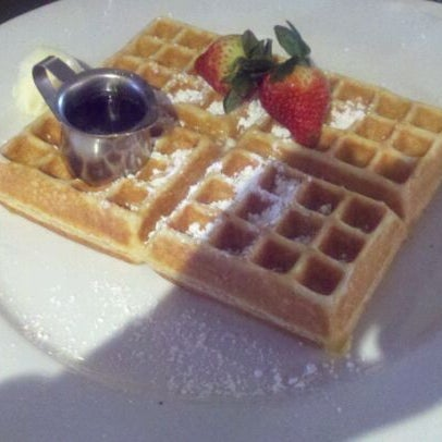 Photo taken at Hash House a Go Go by Shan-te J. on 2/2/2012