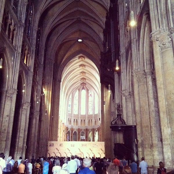 Photo taken at Cathédrale Notre-Dame de Chartres by Eliad A. on 8/19/2012