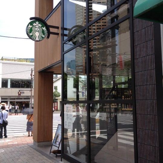 Photo taken at Starbucks Coffee 神楽坂下店 by sakamomo on 7/11/2012
