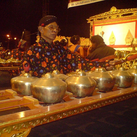 Photo taken at Alun - Alun Lor by JOEWANA on 4/1/2012