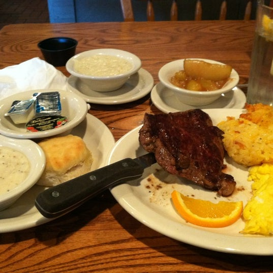 Photo taken at Cracker Barrel Old Country Store by Iam M. on 2/23/2012