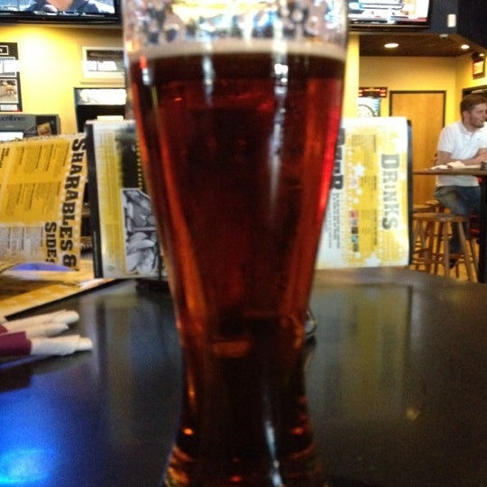 Photo taken at Buffalo Wild Wings by Kyla E. on 5/11/2012