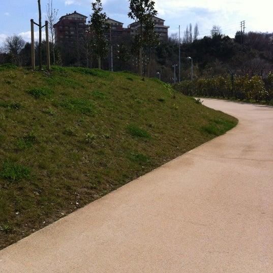 El jard n de la memoria oroimenaren lorategia park in for El jardin de l abadessa