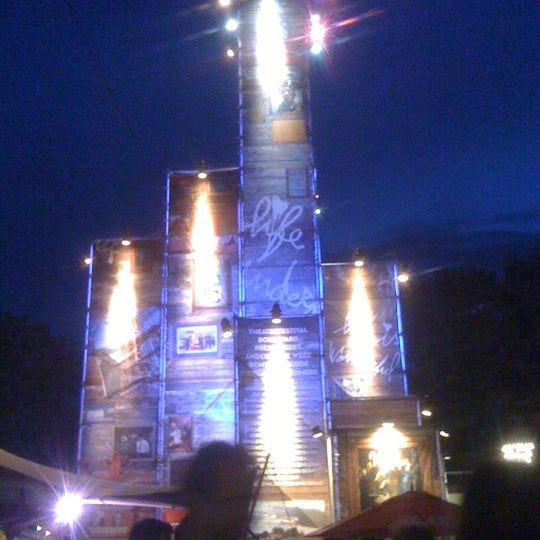 Photo taken at Festivalplein Theaterfestival Boulevard by Jessy V. on 8/4/2012
